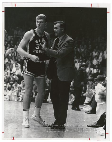 Wake Forest basketball coach Jack Murdock and player Neil Pastushok