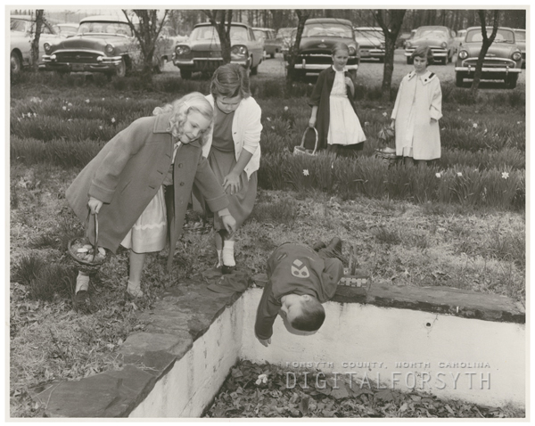 Easter egg hunt at Pine Brook Country Club, 1958.