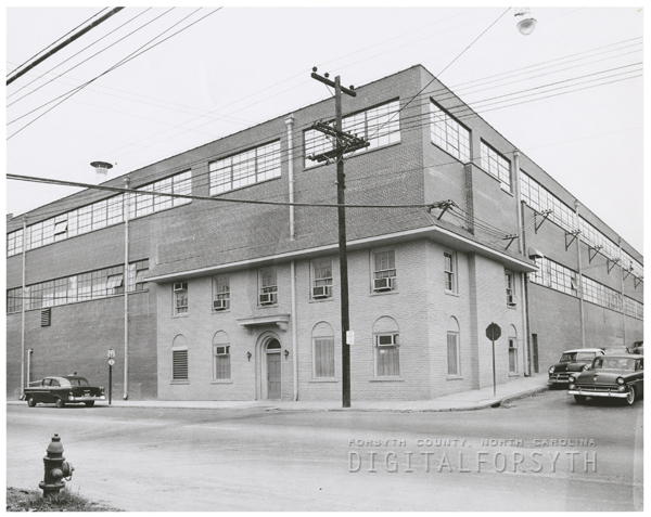 B. F. Huntley Furniture Company at 1201 North Patterson Avenue, 1956.