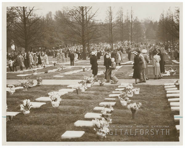 Easter Sunrise Service at God's Acre in Salem, 1950.
