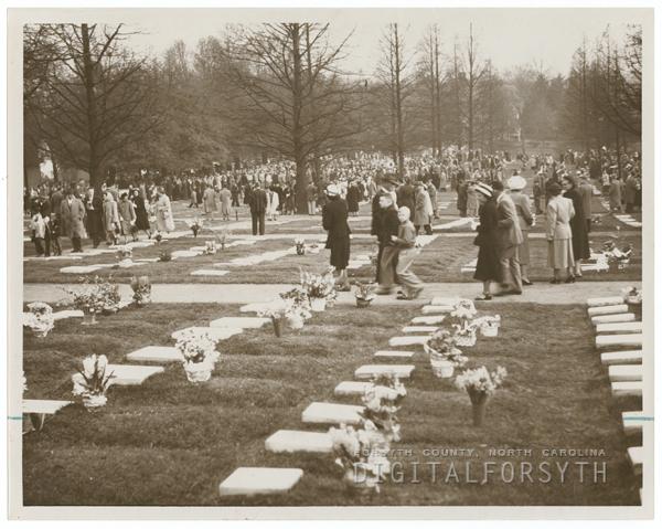Easter Sunrise Service at God's Acre in Salem, 1950.
