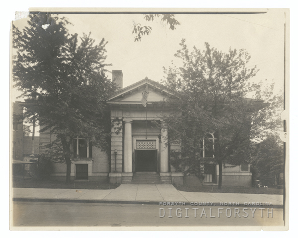 Carnegie Library exterior.