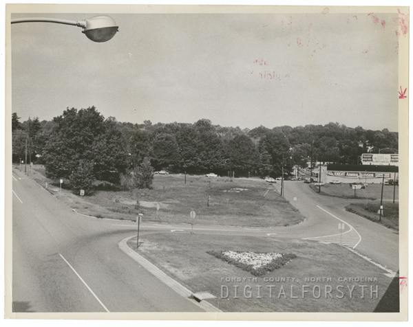 Cloverdale Avenue lot bordered by First Street, 1963.