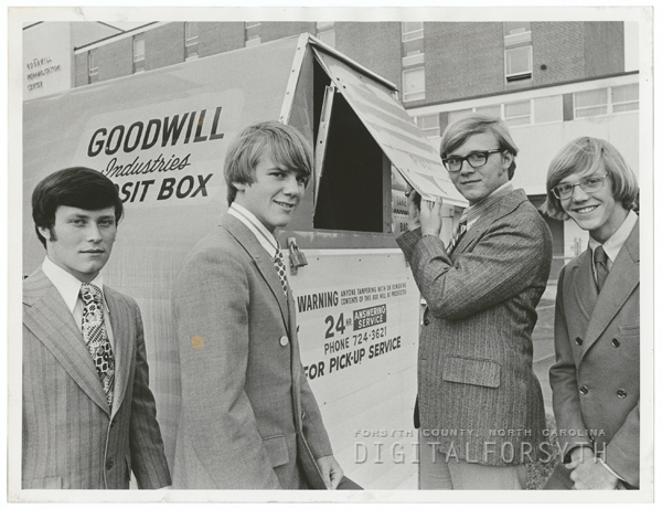 Key Club representatives participating in Goodwill Bundle Bag Campaign, 1971.